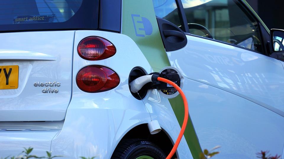 Polski samochód elektryczny. Jak powinien wyglądać?