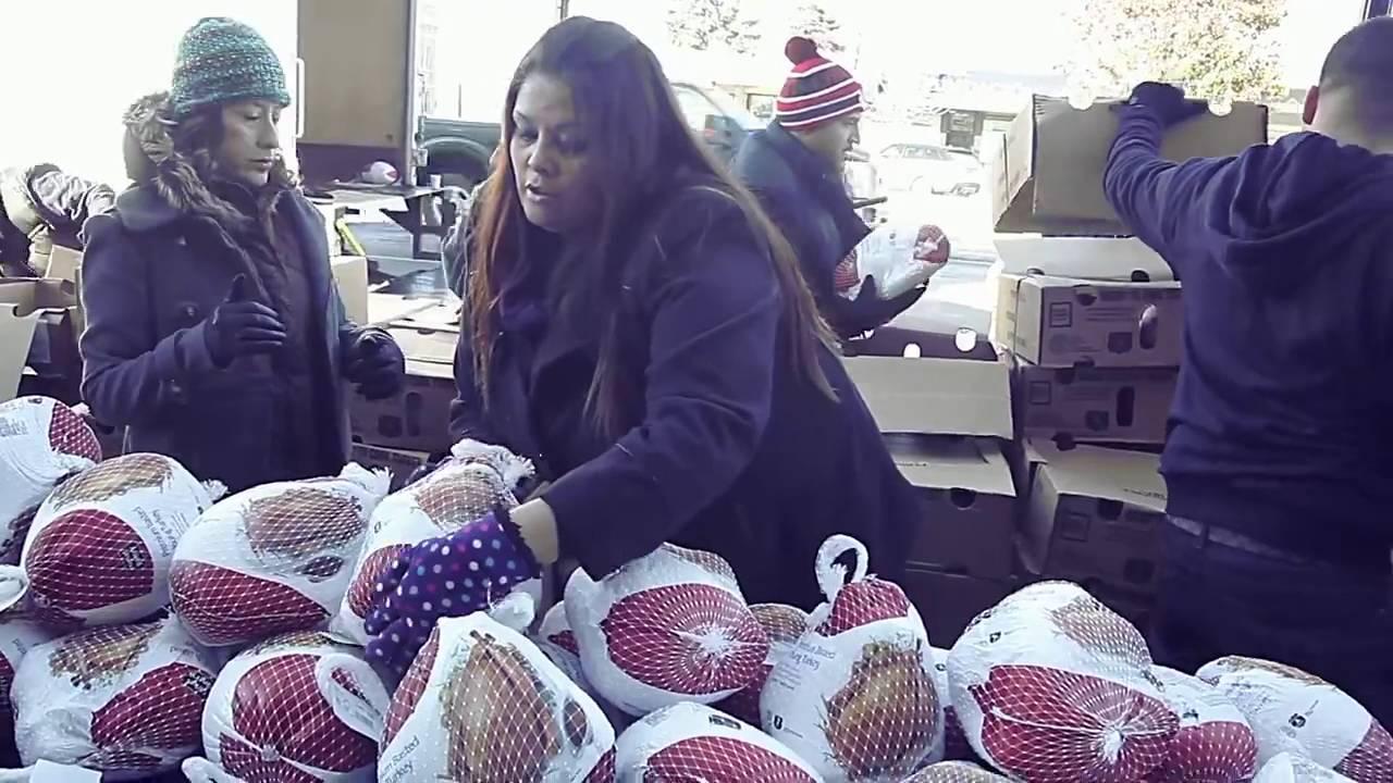 W Chicago rozdano setki indyków przed Thanksgiving