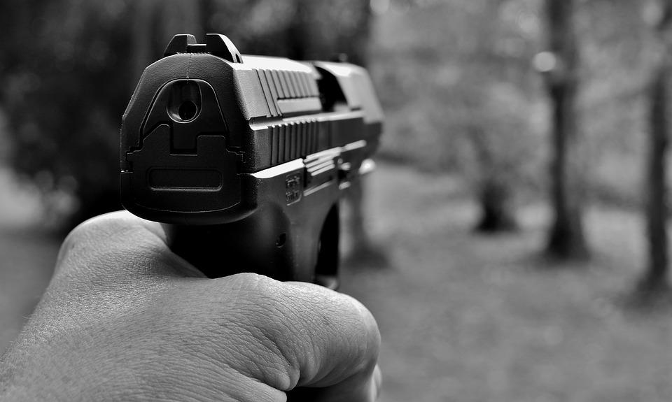 W Massachusetts będzie można odebrać broń bliskiej osobie. Gubernator podpisał ustawę