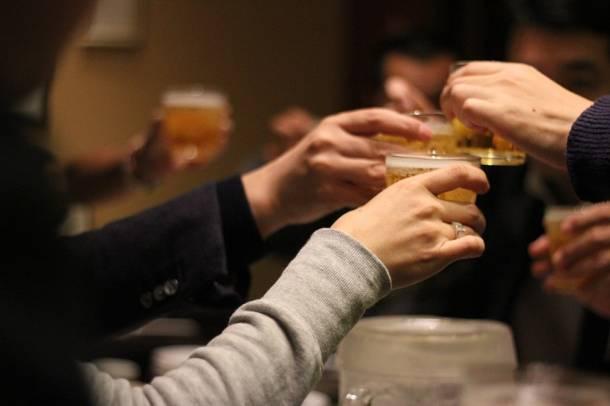 Po 22.00 piwa już się nie napijesz, a w dzień tylko w pubie