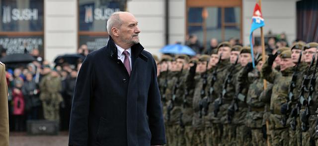 Macierewicz do żołnierzy WOT: Składacie przysięgę, która będzie was wiązała na całe życie