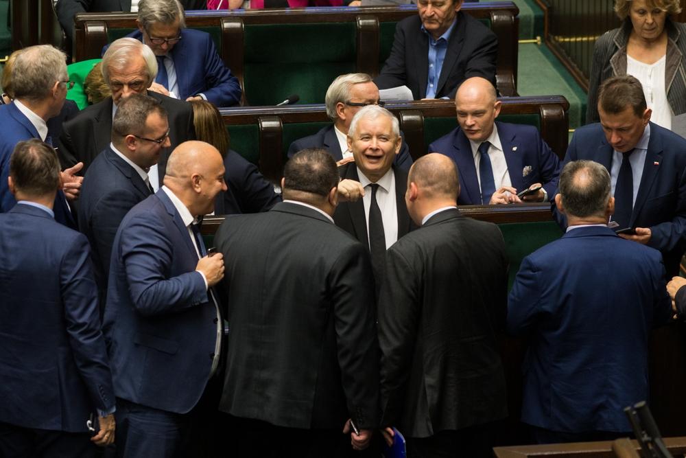 Komisja regulaminowa o obniżeniu uposażeń parlamentarzystów