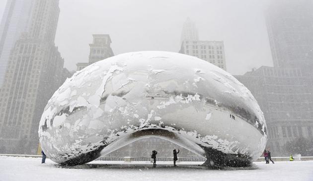 W Chicago coraz więcej śniegu