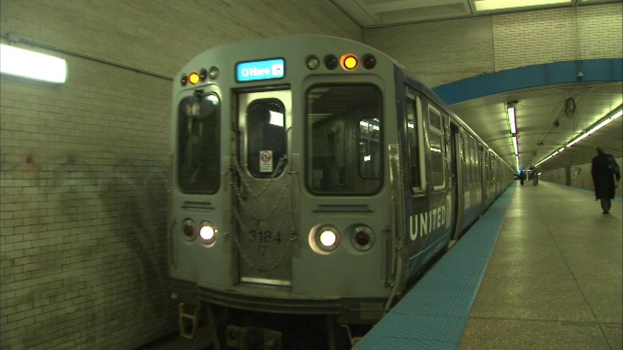 Opóźnienia z powodu uszkodzonej trakcji kolejowej Blue Line
