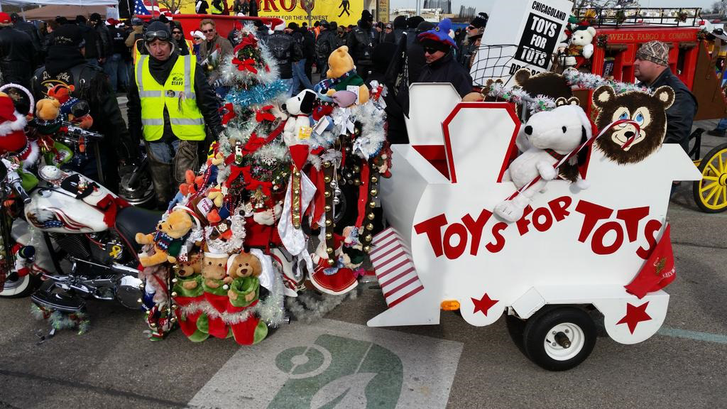 Toys For Tots 2017 Centurylink Seattle : Rekordowa parada motocyklowa toys for tots wiadomosci