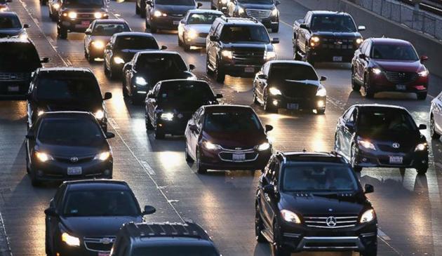 Chicagowscy kierowcy wydzadzą w ciągu życia prawie 140 tysięcy dolarów na utrzymanie swoich samochodów