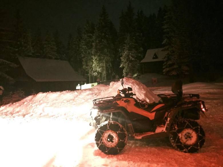 Akcja GOPR na Babiej Górze. Szukali turystów w burzy śnieżnej