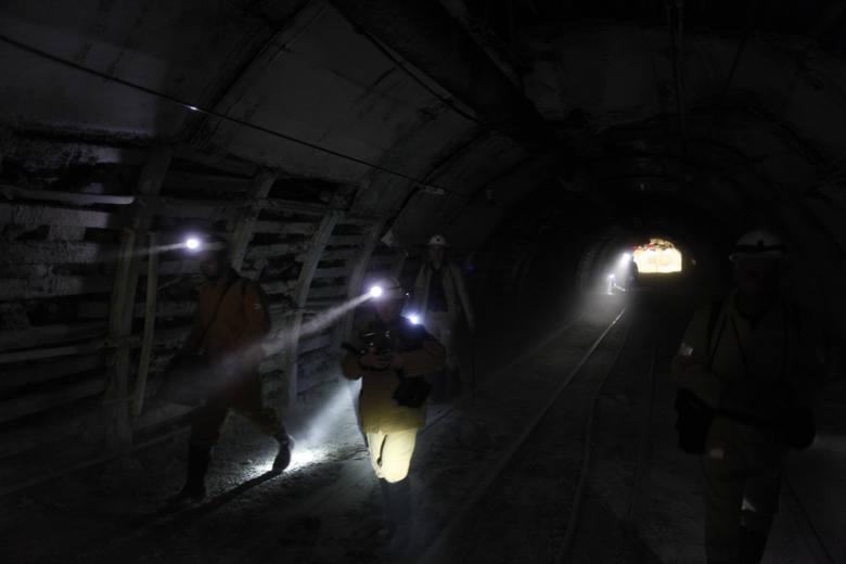 Wypadek w kopalni Zofiówka: Kilka zespołów ratowniczych szuka górników