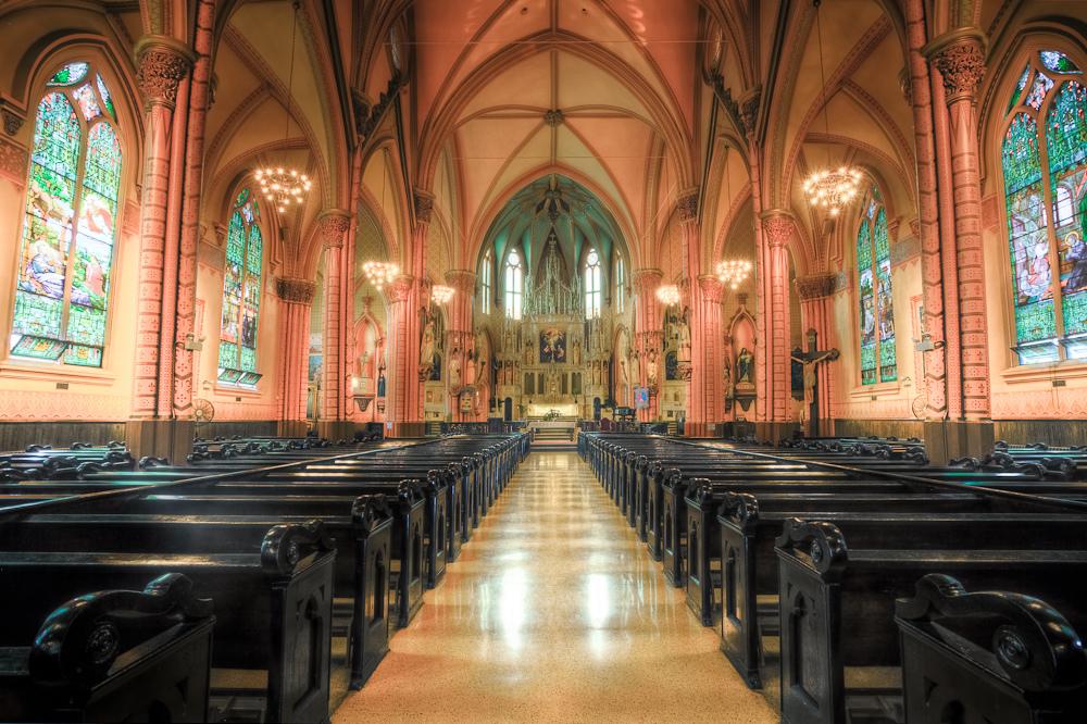 Austria: Sprawcy napadu na kościół poszukiwani