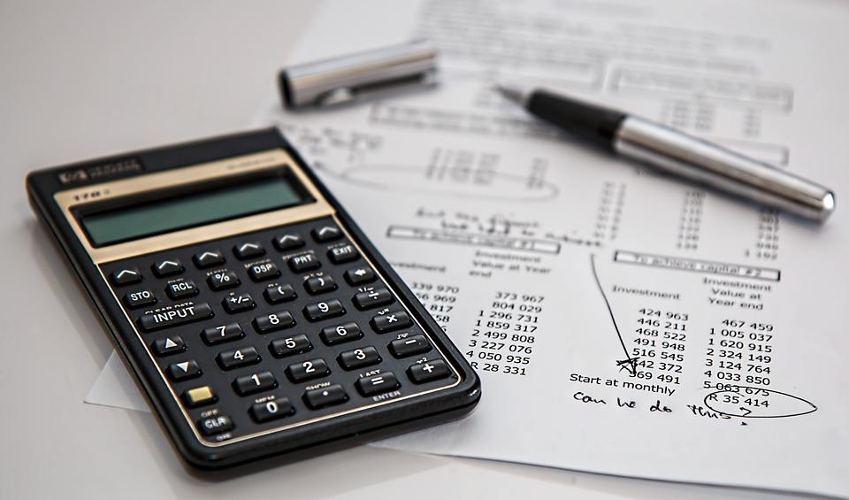 Ministerstwo Finansów: Wpływy z podatków i składek w 2019 roku będą około 40 procent wyższe niż w 2015