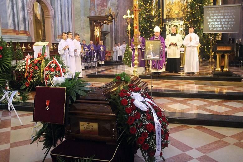 Lublin: Pogrzeb prof. Henryka Ciocha. Odszedł wybitny prawnik, dzielny kolega
