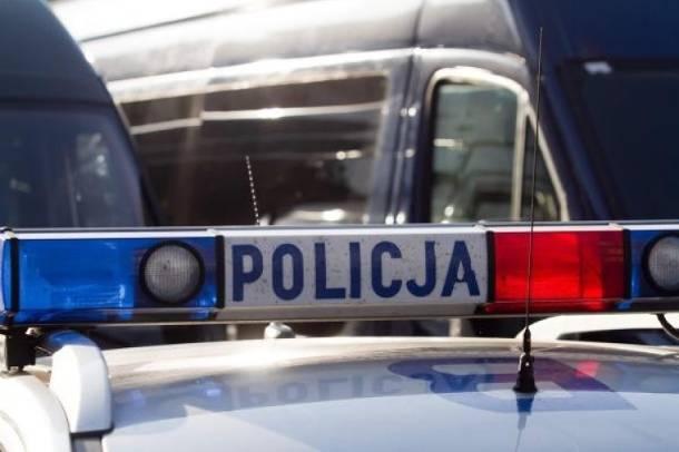 Ostrów Wlkp.: Zgłosił się poszukiwany przez policję właściciel samochodu, którym potrącono kobietę z dzieckiem