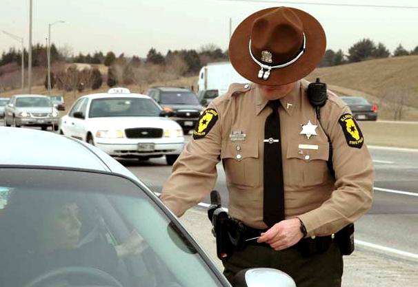 Dodatkowe patrole na drogach Illinois podczas 52. Super Bowl