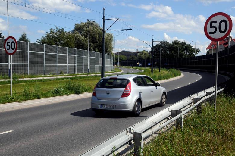 UE chce zmienić limity prędkości w Polsce, w nocy w terenie zabudowanym i na autostradach