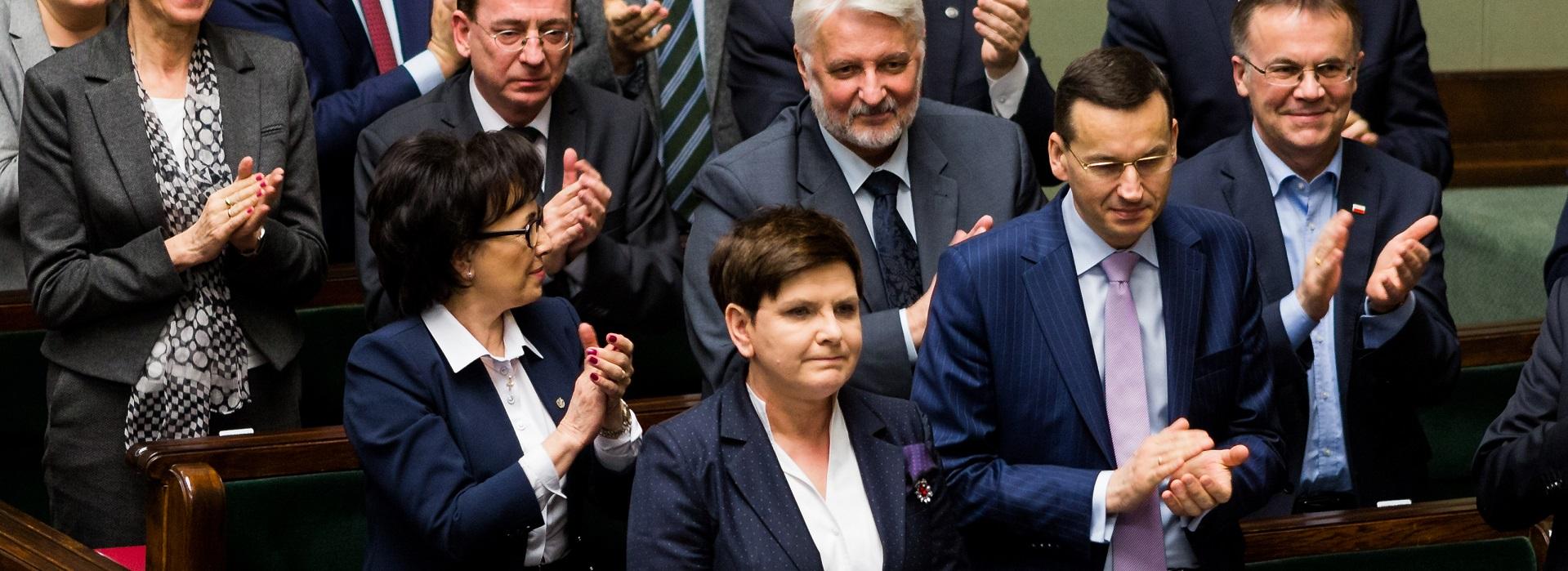"""Platforma Obywatelska skierowała do NIK-u wniosek o """"kontrolę systemu wynagradzania ministrów i wiceministrów w rządzie Beaty Szydło"""""""