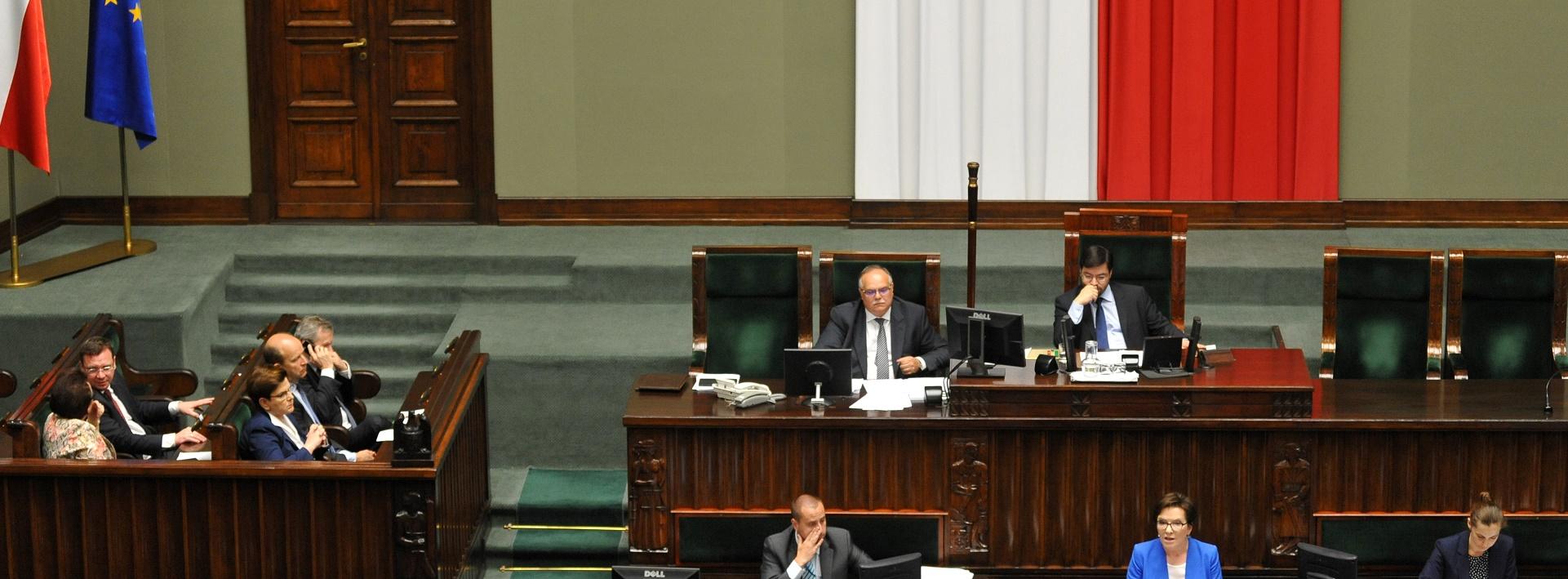 Zmiany w ordynacji wyborczej. Sejm uchwalił poprawki PiS