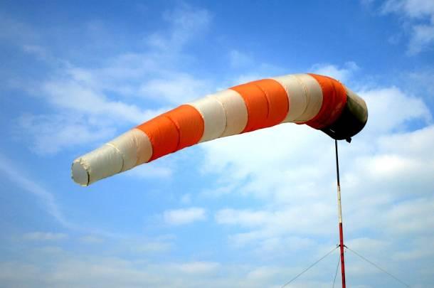 Wielkopolskie:  IMGW ostrzega: tej nocy będzie mocno wiało!