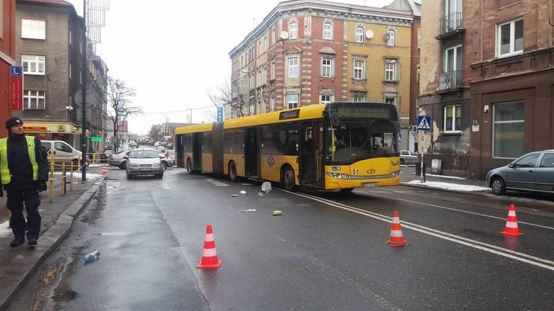 22-latek był pod wpływem narkotyków kierował autobusem. Po tragedii w Zabrzu powstaje pytanie: Kto może zostać kierowcą autobusu?