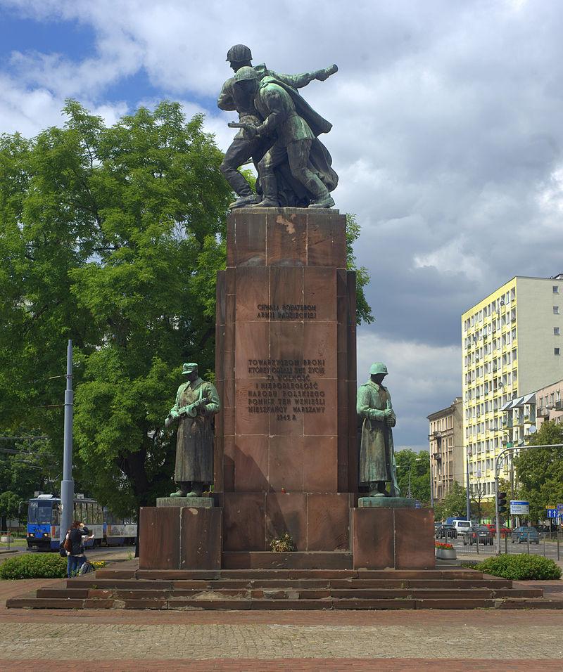 Samorządy mają czas do końca marca na usunięcie z przestrzeni publicznej pomników upamiętniających komunizm