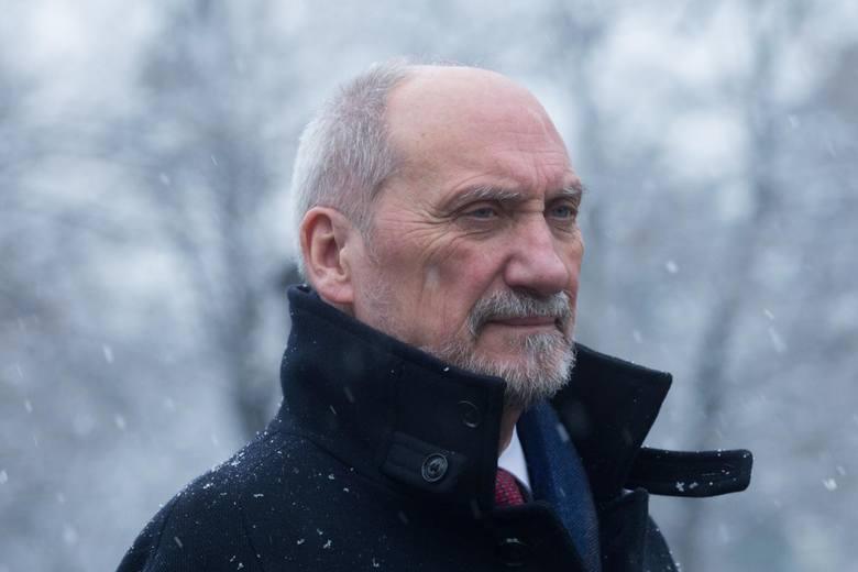 Antoni Macierewicz szefem podkomisji smoleńskiej. Został powołany przez nowego szefa MON Mariusza Błaszczaka