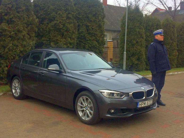 Nowe nieoznakowane BMW 330i xDrive będzie ścigać piratów drogowych na podlaskich drogach. Kosztowało 200 tys. zł
