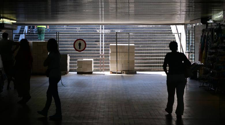 Budowa Forum Gdańsk. Wkrótce ruszy remont przejścia podziemnego przy budynku LOT-u