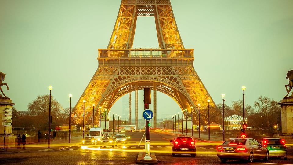 Paryż: Napad na luksusowy hotel Ritz. Skradziono biżuterię o wartości 4,5 mln euro