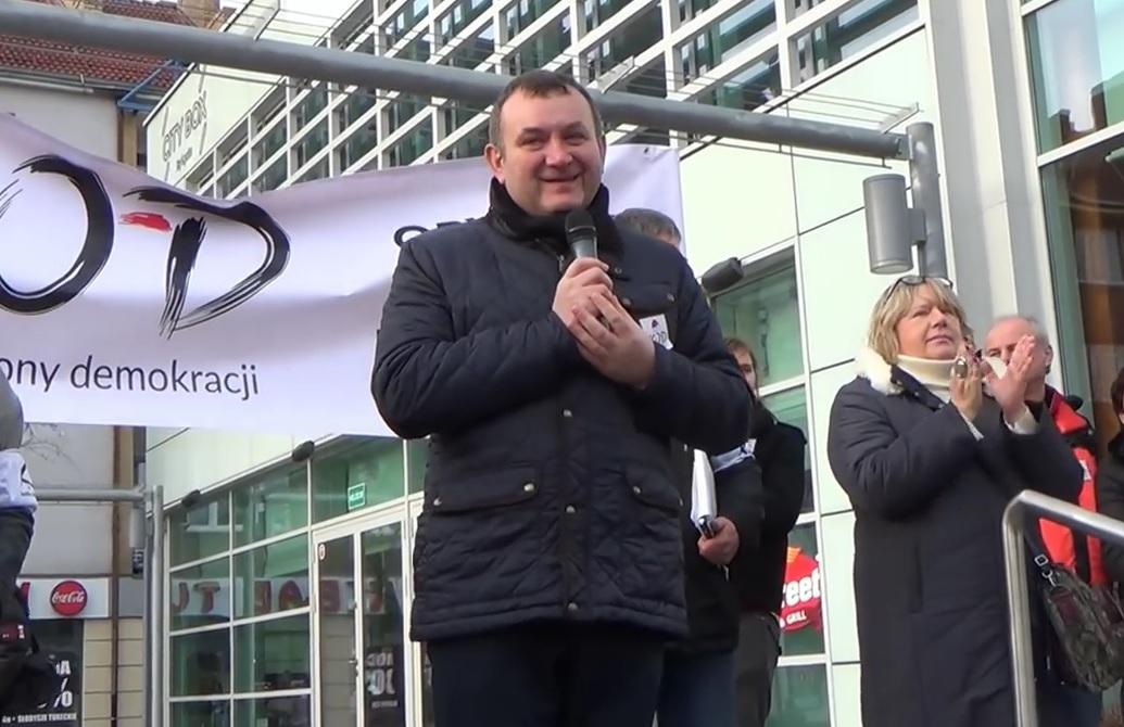 Sąd w Szczecinie zdecydował o trzymiesięcznym areszcie dla sekretarza generalnego PO Stanisława Gawłowskiego