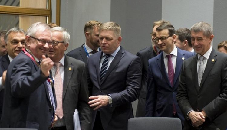 """Kolacja szefa KE Jean-Claude Junckera z premierem Polski Mateuszem Morawieckim """"Co się złego stało, to się łatwo nie odstanie"""""""