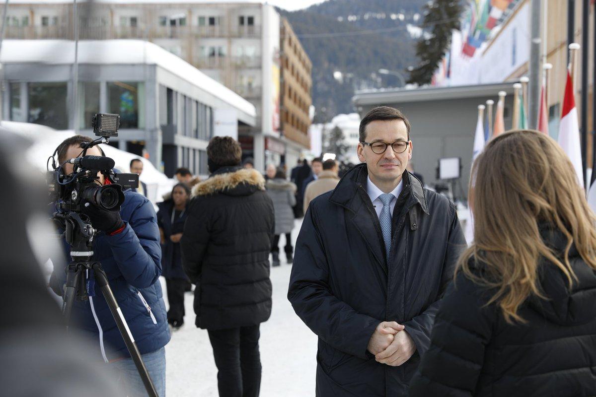 """Morawiecki zapowiedział szybkie uchwalenie tzw. """"Konstytucji dla Biznesu"""". Nie trzeba będzie rejestrować firmy…"""