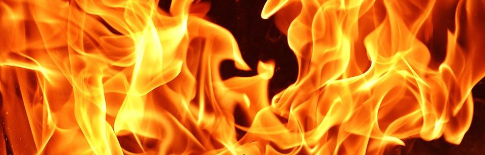 Tragedia w Radomyślu Wielkim. 30-latek spalił się w ognisku, razem z bratem robili porządki