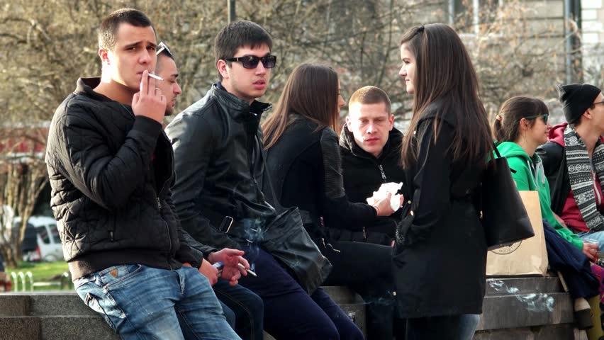 Coraz mniej chicagowskich uczniów pali papierosy