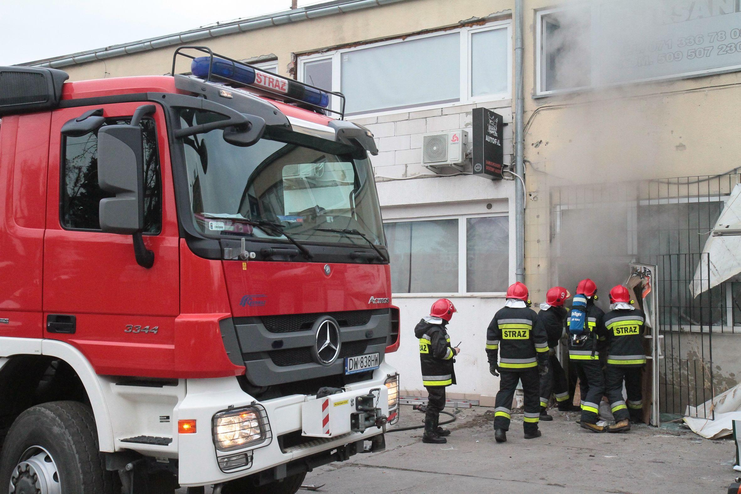 Wybuch gazu w kamienicy w Leśnej na Dolnym Śląsku. Straż pożarna wydobyła wszystkich poszkodowanych