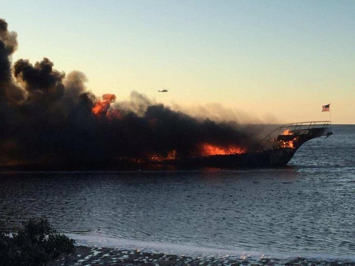 Pożar promu u wybrzeży Florydy. Pasażerowie wyskakiwali do wody