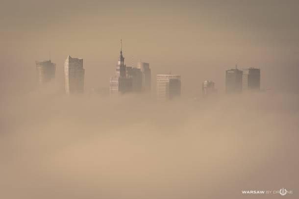 Smog w Warszawie. Dziś jest tragicznie!Warszawa pokryta smogiem
