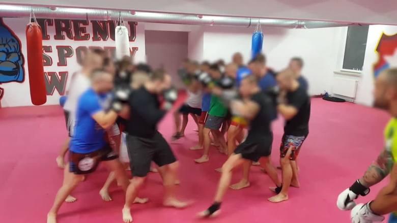 Kraków. Kibole ćwiczą na Wiśle brutalne walki uliczne. Zdobyliśmy dowody