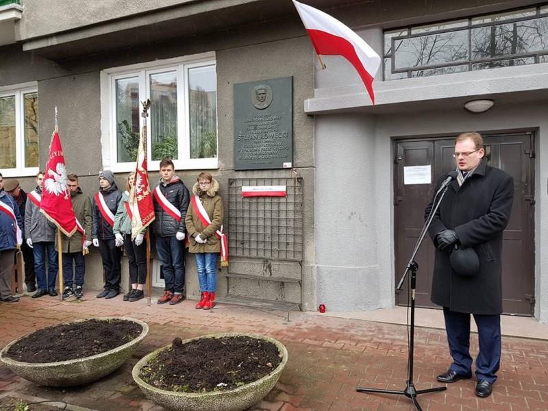 Warszawa: Uroczystość w 76. rocznicę powstania Armii Krajowej