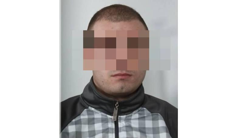 Podlaskie: Paweł K. oskarżony o zabójstwo ojca. Śledczy: Bił i kopał ojca tak długo, aż go zmasakrował. 29-latek odpowie za zabójstwo