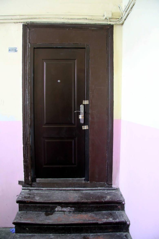 Lublin: Zwłoki 24-letniej kobiety w mieszkaniu. Wersalka, w której leżały, była posypana proszkiem do prania