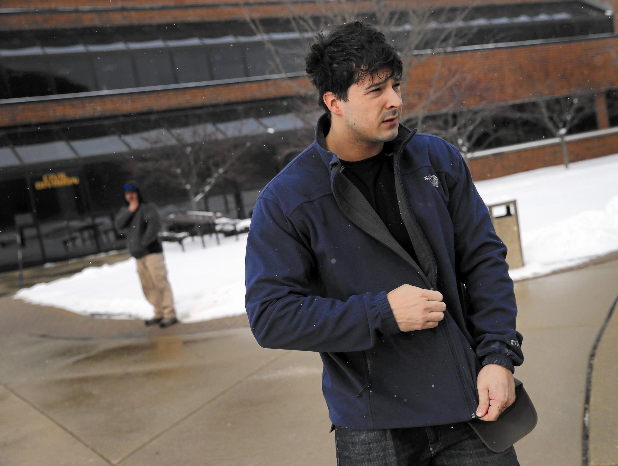 Sąd uniewinnił policjanta z Schaumburga oskarżonego o handel narkotykami
