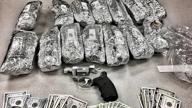 Wyglądało na burrito, ale w środku policjanci znaleźli metafetaminę