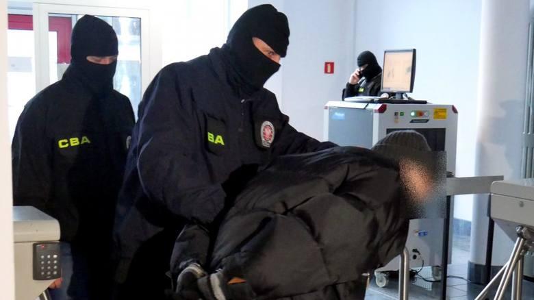 Agenci CBA z Łodzi zatrzymali pracowników spółek miejskich. Zatrzymane dwie osoby z Koszalina