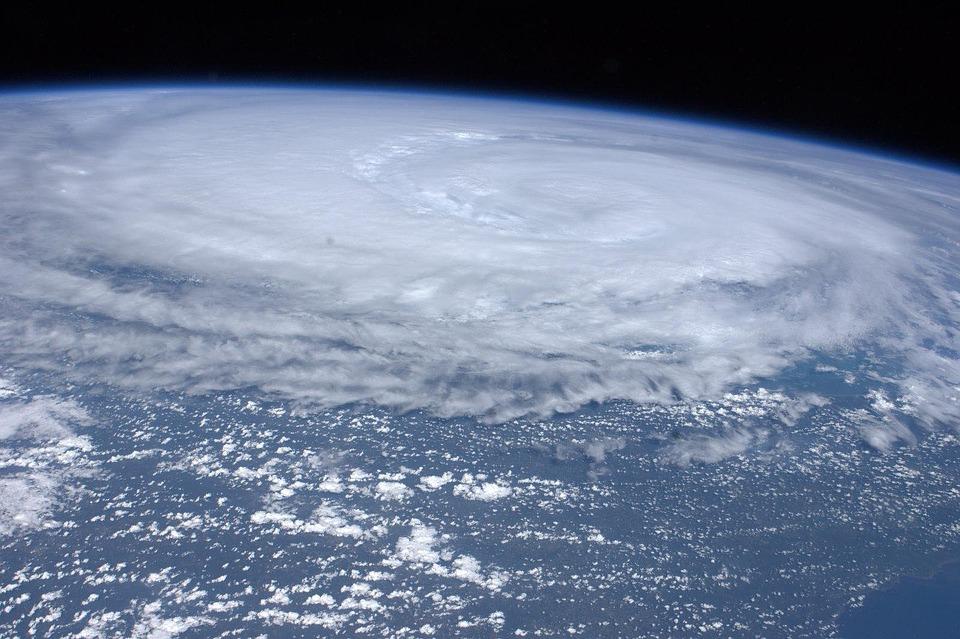 Mieszkańcy Tonga oczekują na cyklon tropikalny