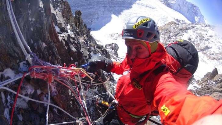 """Denis Urubko wrócił do bazy pod K2. """"Czekamy na ewentualne ustalenia jak ma wyglądać dalszy udział Denisa w wyprawie"""""""