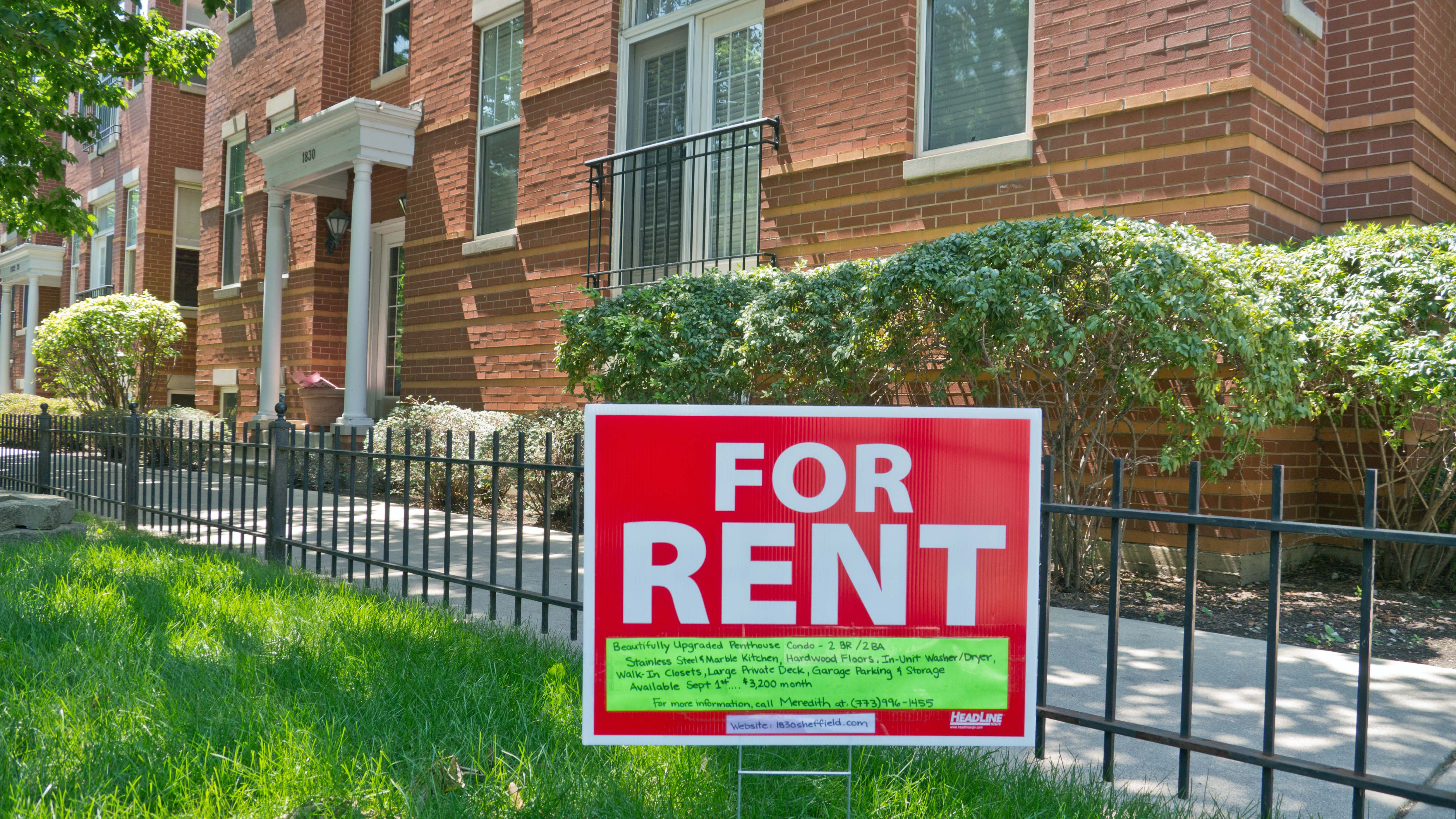 Gdzie osoby samotne mogą znaleźć mieszkanie po przystępnej cenie?