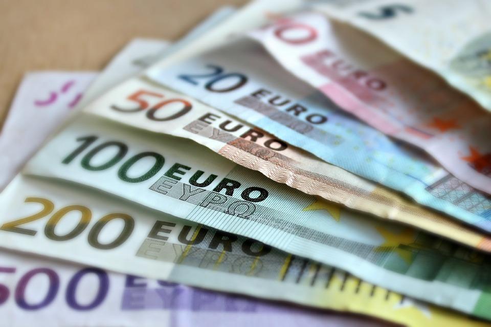 Kraków: Prokurator ścigał bezdomnego, który z Holandii dostał przelew na 10 tys. euro