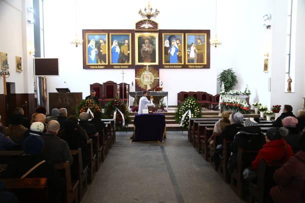 Pogrzeb Agnieszki Kotulanki. Bliscy pożegnali aktorkę w Legionowie pod Warszawą