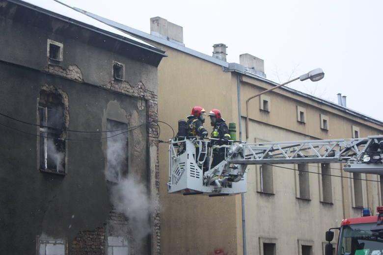 Pożar kamienicy w Katowicach: W środku byli bezdomni