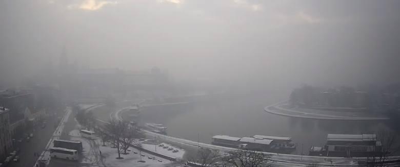 Smog w Krakowie. Dopuszczalne normy znacznie przekroczone