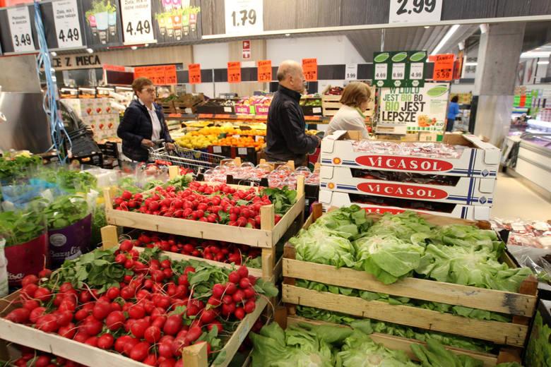 """Środa Wielkopolska: Lidl wycofał reklamy z """"wzorcowym"""" dostawcą, który nie udzielił pomocy Ukraince Oksanie"""